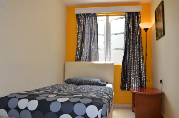Single room with shared bathroom  (1 single bed)